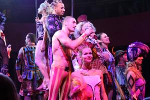 Cirque dinner show