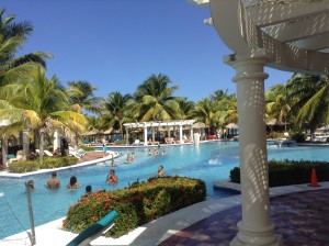 Riu Ocho Rios pool area